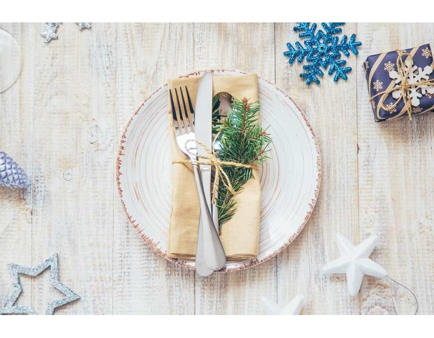 5 Christmas Dining Table Designs That are Easy to Recreate